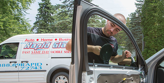 auto glass repair minneapolis area